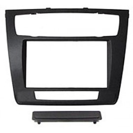 Kit fissaggio /Mascherina 2 DIN Bmw serie 1 E81 E82 E87 E88 con clima automatico